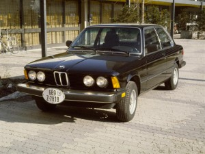 The author's 1982 BMW 320iS near his residence in Munich at the Studentenstadt Freimann