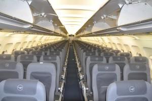 Lufthansa A319 NEK main cabin