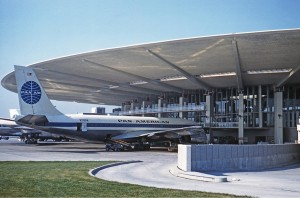 Pan Am 707 at the Pan Am Worldport, JFK, 1961