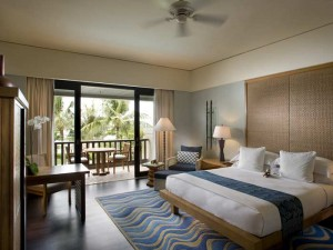 King Deluxe Ocean room at Conrad Bali