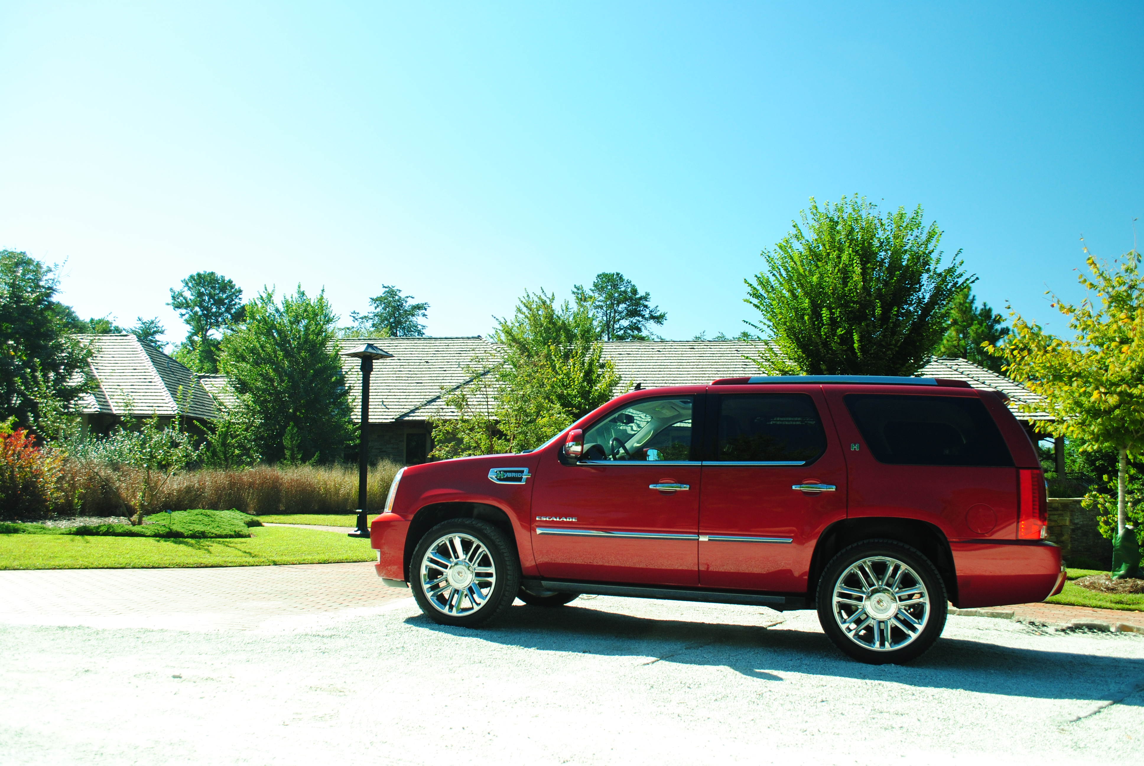 2012 cadillac escalade hybrid platinum edition road test and review frequent business traveler. Black Bedroom Furniture Sets. Home Design Ideas