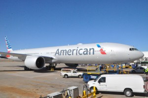 An American 777-300ER in Dallas