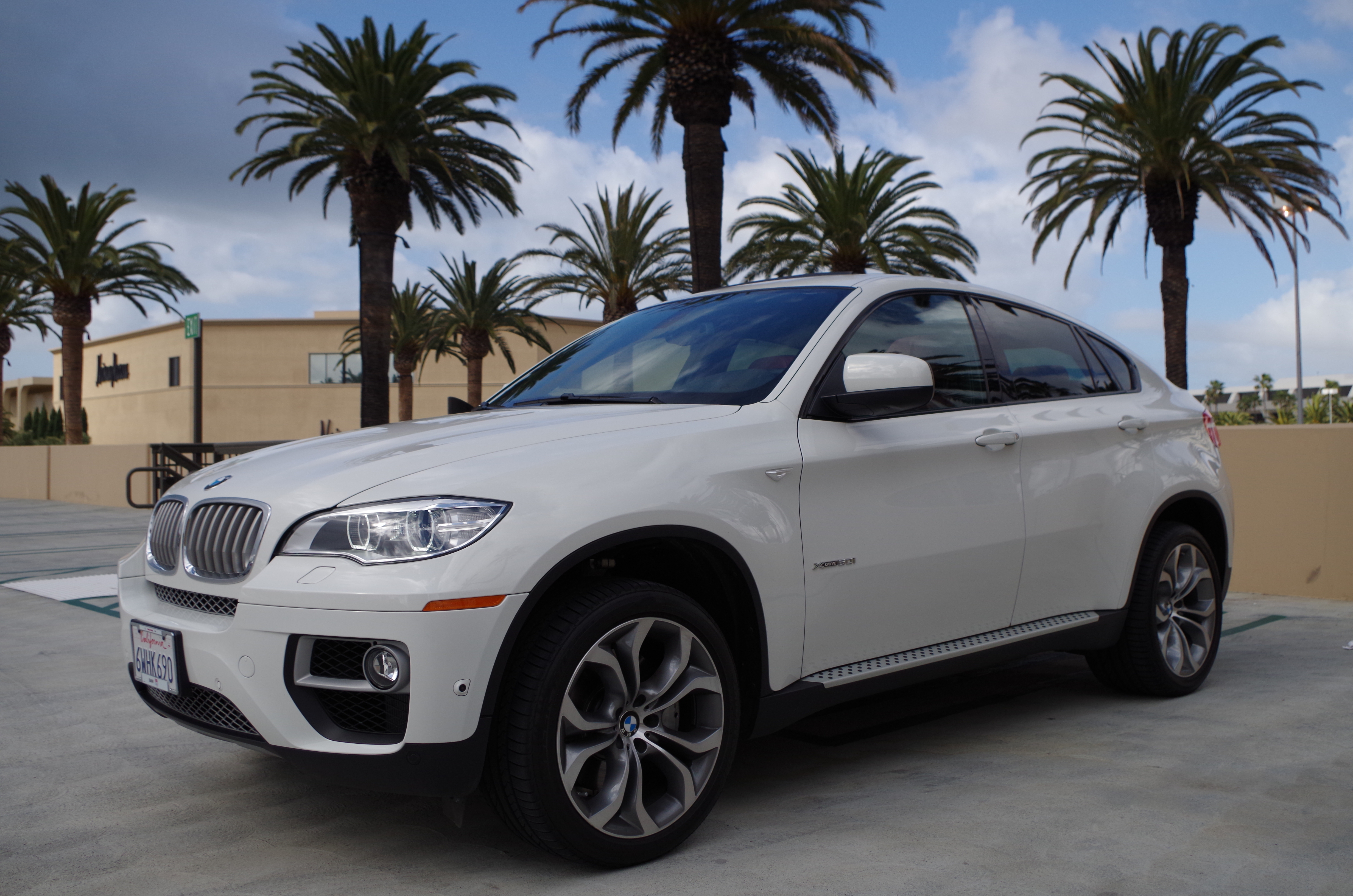 2013 bmw x6 xdrive50i review and test drive frequent. Black Bedroom Furniture Sets. Home Design Ideas