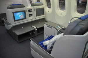 LOT Elite Club seating and IFE
