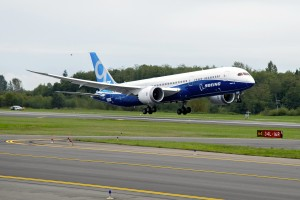 A Boeing 787-9 taking off from Paine Field
