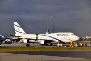 An El Al plane in London
