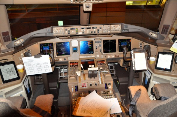 The cockpit of a Boeing 777