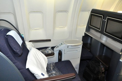 United's backwards-facing lie-flat seats on a 777
