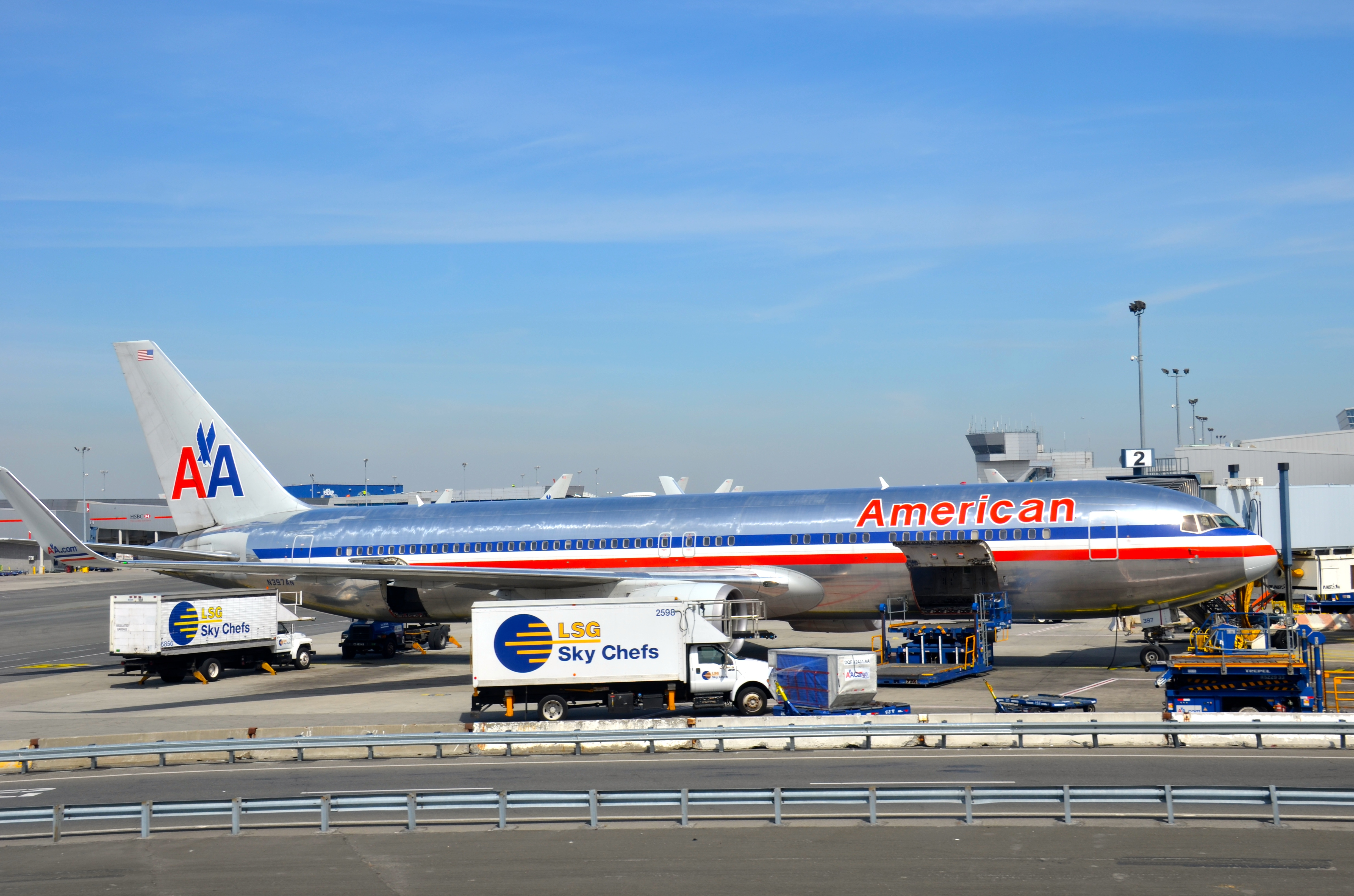 An American Airlines 767-300 at JFK