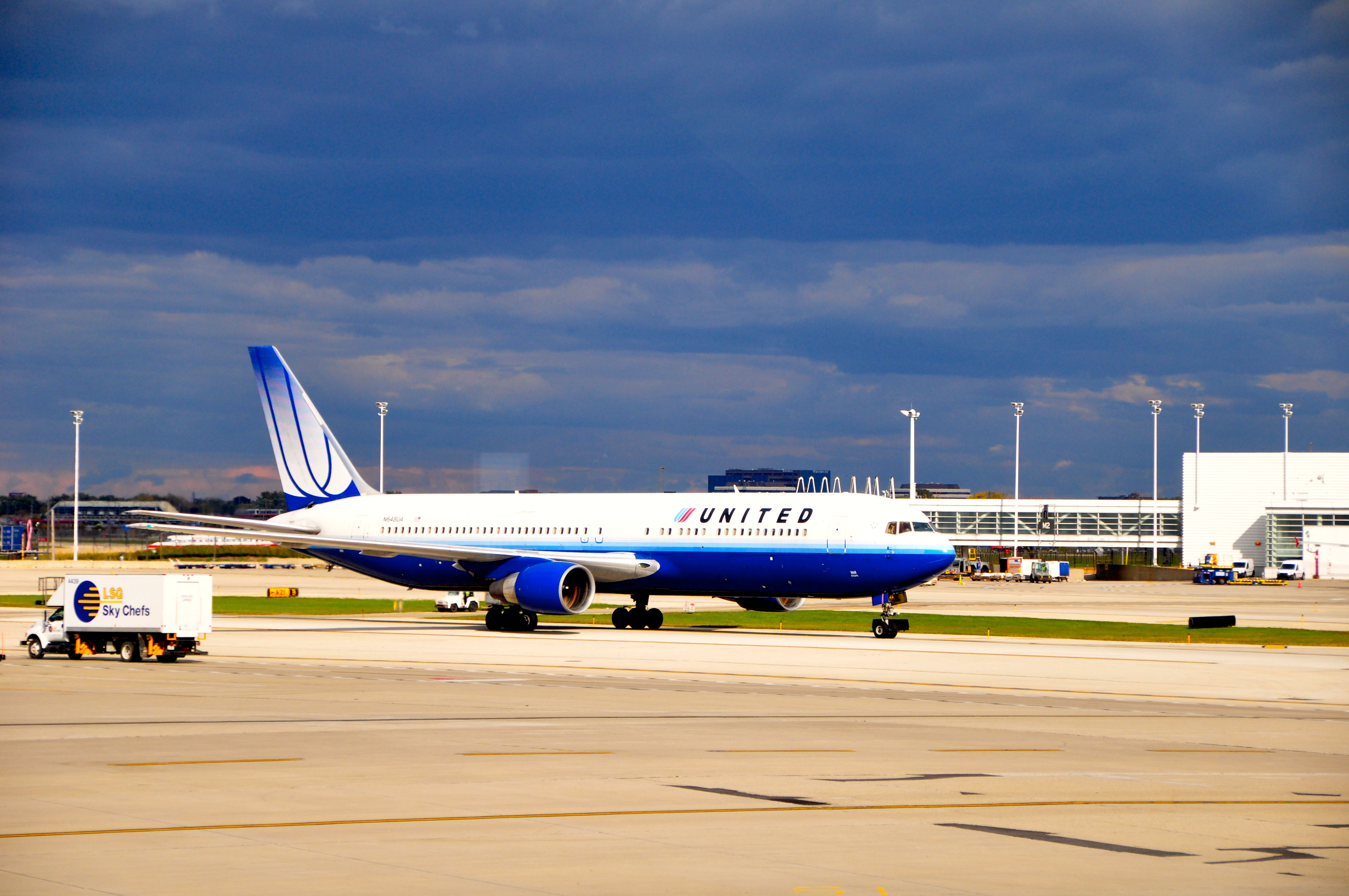 A United Airlines 767
