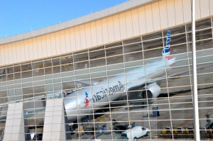 A current Boeing 777 in American Airlines livery