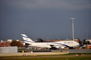 An El Al plane in London
