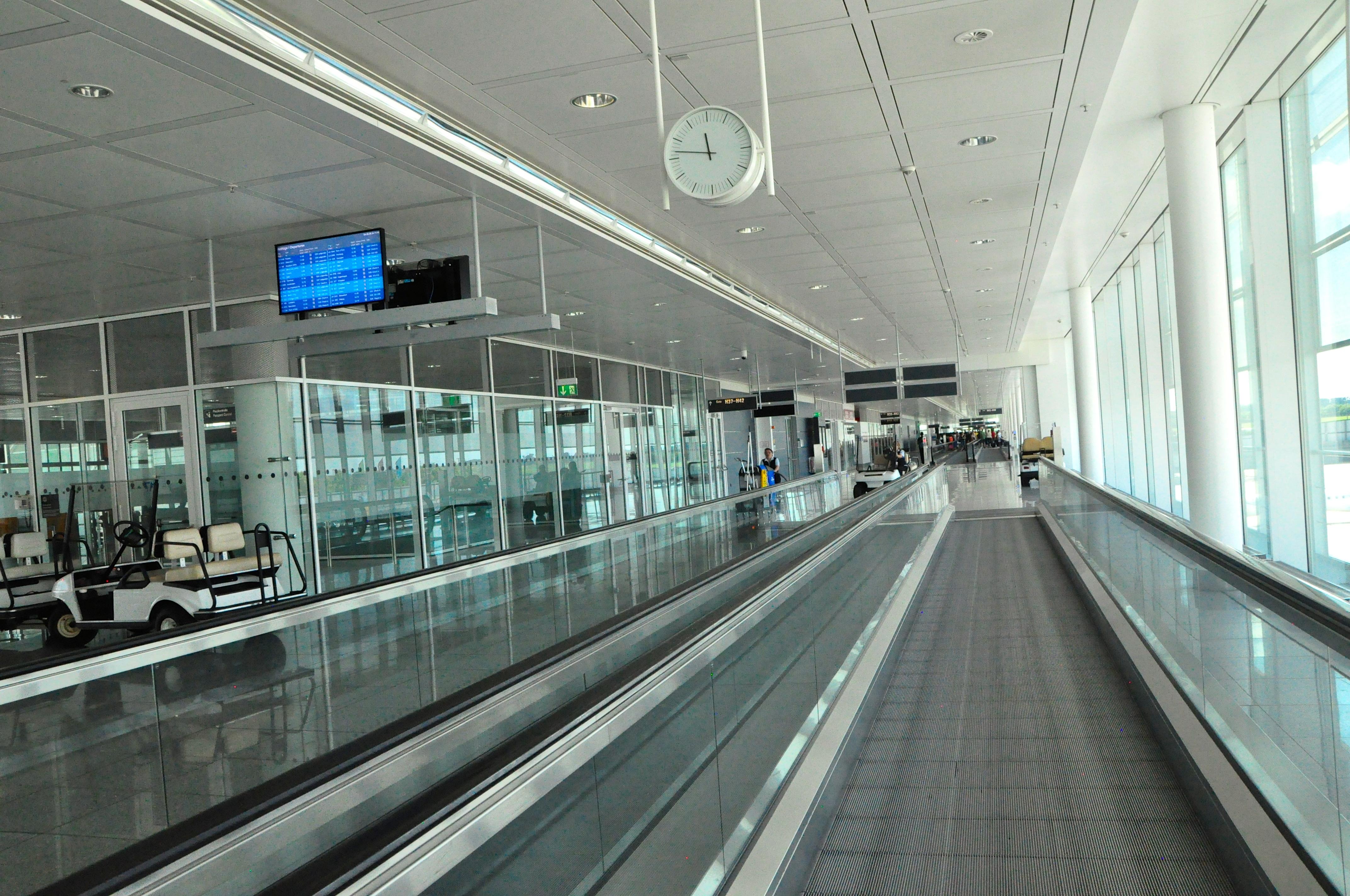 Россия  Статус рейса  актуальное отправление и прибытие