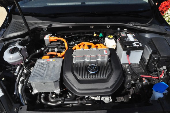 VW e-Golf engine compartment