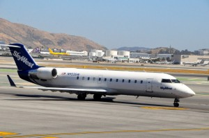 SkyWest aircraft in San Francisco