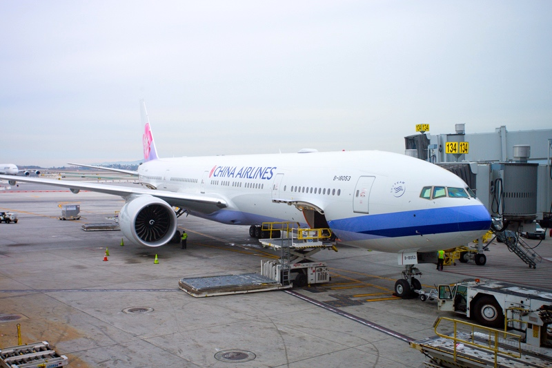 China Airlines' new Boeing 777-300