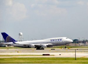 A United 747 touching down