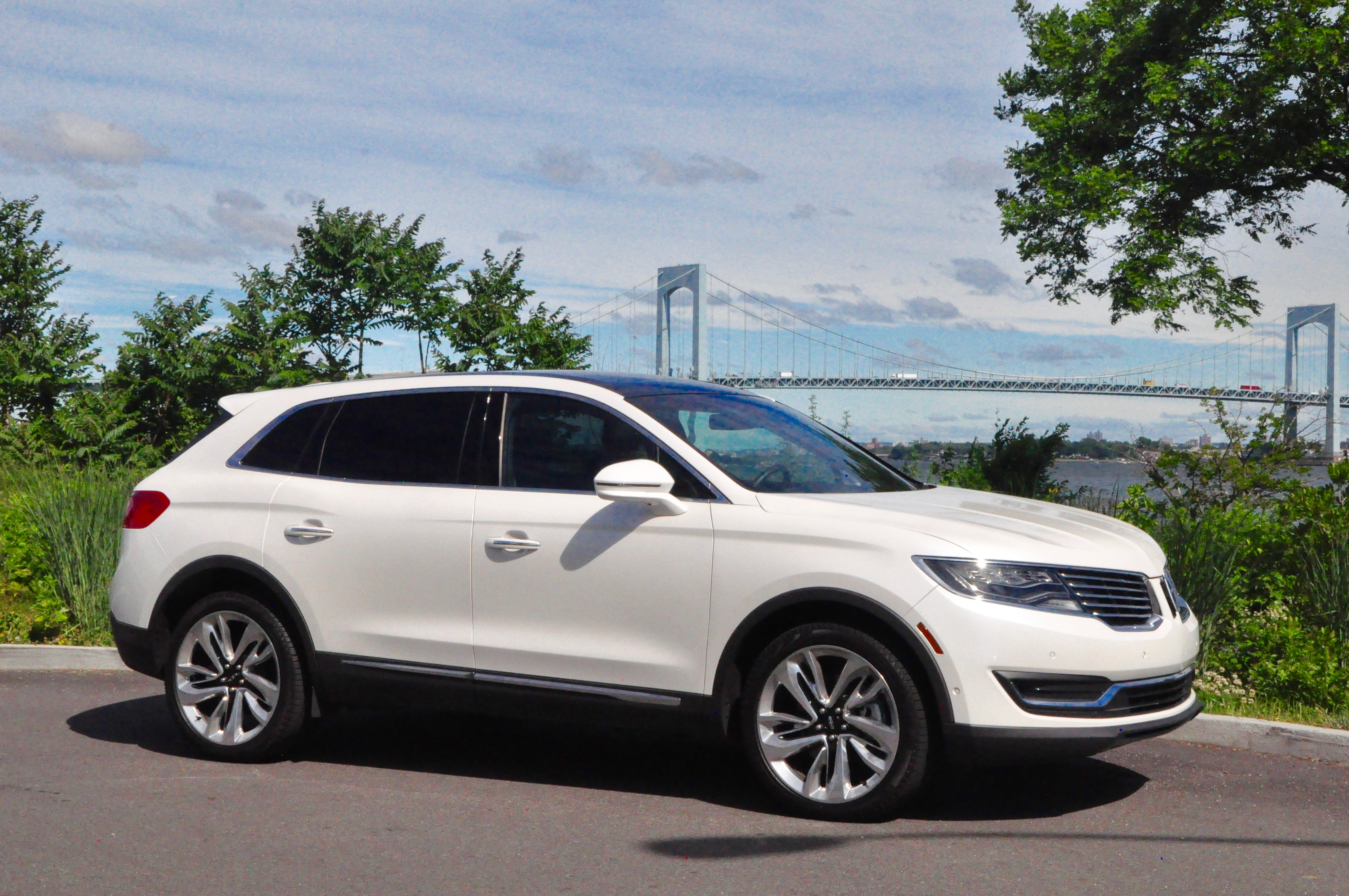 review and test drive 2016 lincoln mkx frequent business traveler. Black Bedroom Furniture Sets. Home Design Ideas