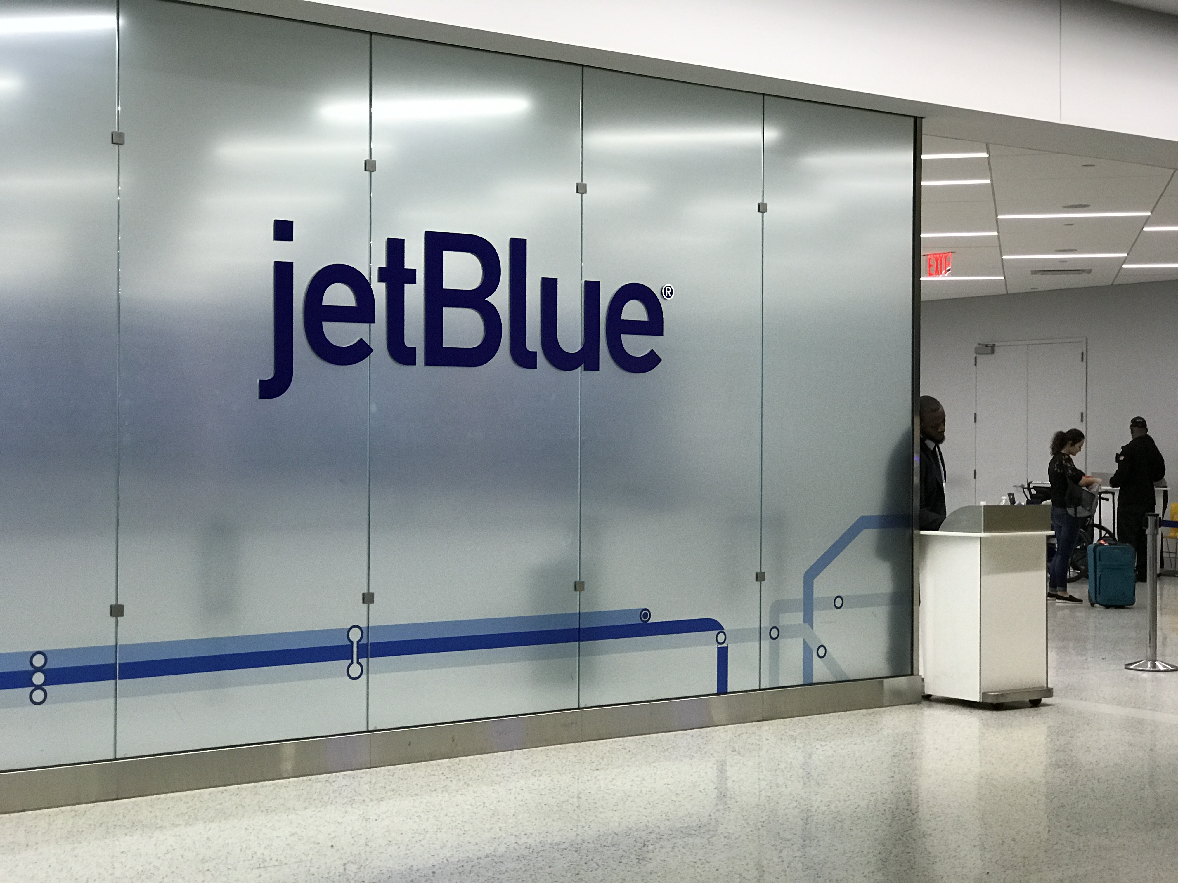 jetblue check-in time before flight
