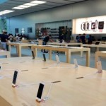 Apple Store Security Guard Stabbed Over Mask Dispute