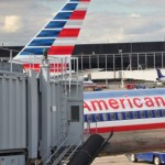 American Airlines to Apply for Government Aid, Will Offer Staff Partially Paid Leave